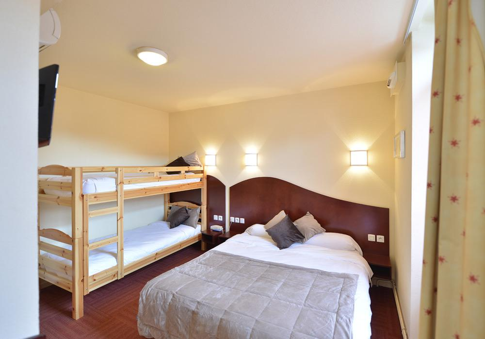 Reservation hotel clermont ferrand les commer ants for Chambre communiquante